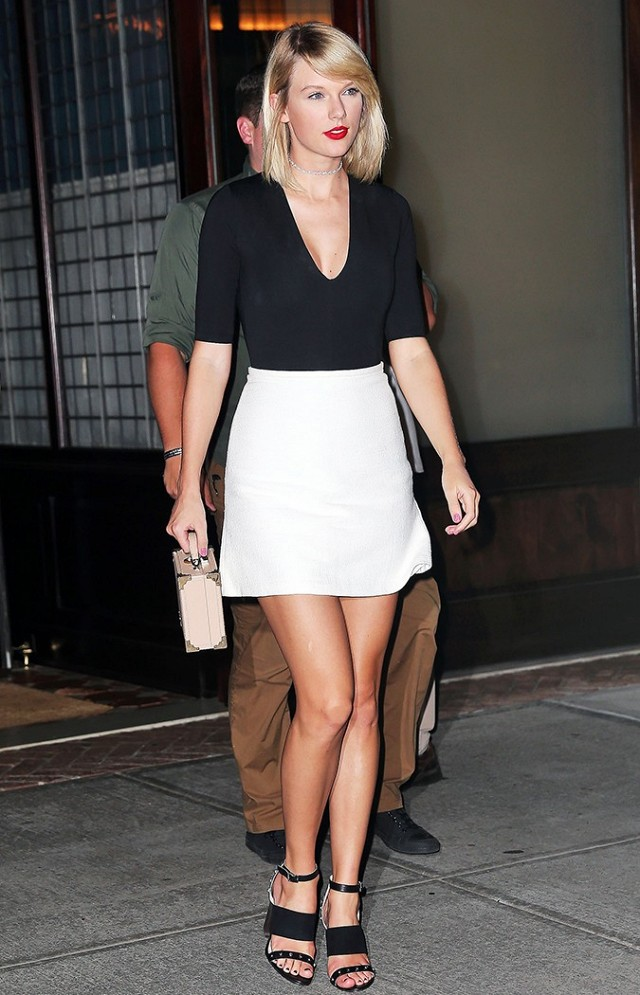 Taylor Swift out to dinner with Lily Aldridge