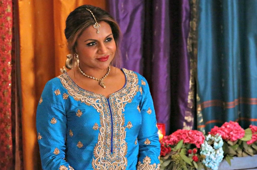 mindy-kaling-the-mindy-project-sari.jpg