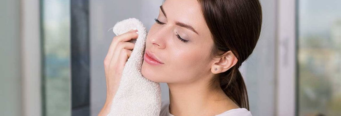 The Best Times to Use a Facial Cleanser